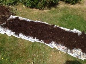 Tidningar, ris och kompost